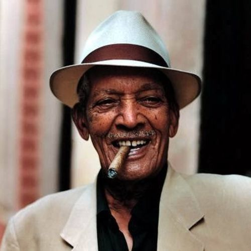 Compay Segundo: albums, songs, playlists | Listen on Deezer
